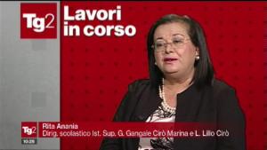 """La Dirigente Scolastica Rita Anania di Cirò Marina al programma di Rai Due """"Lavori in corso"""" (2)"""