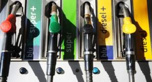 Benzina record: verso i 2 euro al litro