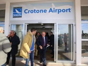Crotone, Oliverio visita l'aeroporto Sant'Anna