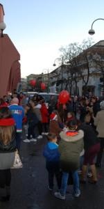 """FlashMob a Cirò Marina, Centinaia di persone hanno invaso Via Venezia danzando """"Mi fai volare"""" (13)"""