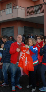 """FlashMob a Cirò Marina, Centinaia di persone hanno invaso Via Venezia danzando """"Mi fai volare"""" (25)"""