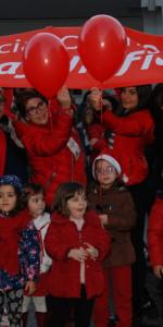 """FlashMob a Cirò Marina, Centinaia di persone hanno invaso Via Venezia danzando """"Mi fai volare"""" (31)"""