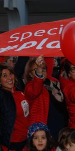 """FlashMob a Cirò Marina, Centinaia di persone hanno invaso Via Venezia danzando """"Mi fai volare"""" (33)"""