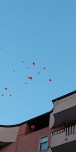"""FlashMob a Cirò Marina, Centinaia di persone hanno invaso Via Venezia danzando """"Mi fai volare"""" (36)"""