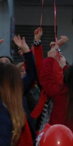 """FlashMob a Cirò Marina, Centinaia di persone hanno invaso Via Venezia danzando """"Mi fai volare"""" (38)"""