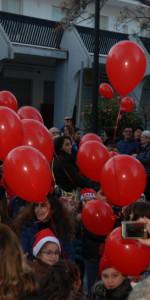 """FlashMob a Cirò Marina, Centinaia di persone hanno invaso Via Venezia danzando """"Mi fai volare"""" (42)"""