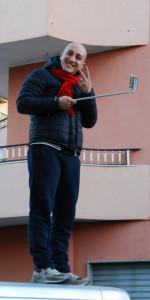 """FlashMob a Cirò Marina, Centinaia di persone hanno invaso Via Venezia danzando """"Mi fai volare"""" (61)"""