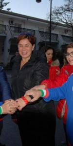 """FlashMob a Cirò Marina, Centinaia di persone hanno invaso Via Venezia danzando """"Mi fai volare"""" (7)"""