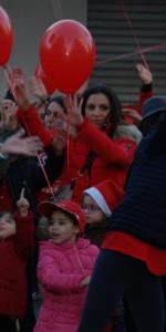 """FlashMob a Cirò Marina, Centinaia di persone hanno invaso Via Venezia danzando """"Mi fai volare"""" (74)"""
