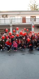 """FlashMob a Cirò Marina, Centinaia di persone hanno invaso Via Venezia danzando """"Mi fai volare"""" (78)"""