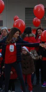 """FlashMob a Cirò Marina, Centinaia di persone hanno invaso Via Venezia danzando """"Mi fai volare"""" (79)"""
