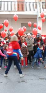 """FlashMob a Cirò Marina, Centinaia di persone hanno invaso Via Venezia danzando """"Mi fai volare"""" (81)"""
