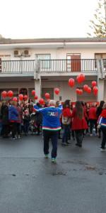 """FlashMob a Cirò Marina, Centinaia di persone hanno invaso Via Venezia danzando """"Mi fai volare"""" (86)"""