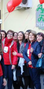 """FlashMob a Cirò Marina, Centinaia di persone hanno invaso Via Venezia danzando """"Mi fai volare"""" (89)"""