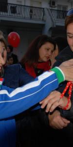 """FlashMob a Cirò Marina, Centinaia di persone hanno invaso Via Venezia danzando """"Mi fai volare"""" (9)"""