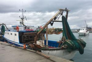 Incendio a bordo di un peschereccio nel porto di Corigliano calabro, ma è un'esercitazione (1)