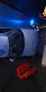 Incidente stradale sulla SS106 in galleria, feriti tre 20enni (1)