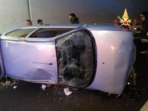 Incidente stradale sulla SS106 in galleria, feriti tre 20enni (3)
