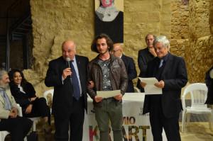 Premio KR ART a Le Castella, convegno TERINA Colonia di Crotone a Cirò Marina e Targa a Mons. Caiazzo (1)