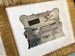 Premio KR ART a Le Castella, convegno TERINA Colonia di Crotone a Cirò Marina e Targa a Mons. Caiazzo (3)