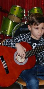 Saggio di Natale con i piccoli musicisti della Scuola di Musica Vivaldi di Cirò Marina (6)