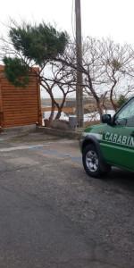 Sequestrato Chiosco in costruzione sulla scogliera di Le Castella (5)