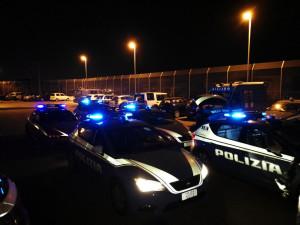 Tenta di rubare un auto, arrestato dalle le Volanti della Polizia