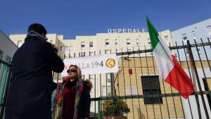 Concluso con successo il presidio di Azione Identitaria davanti all'Ospedale di Crotone, per dire NO alla 194