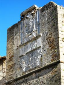 Crotone, Salviamo il grande Stemma imperiale di Carlo V e di don Pedro da Toledo
