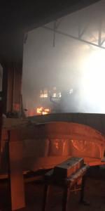 In fiamme il capannone del cantiere navale Ranieri, intervengono 15 unità dei Vigili del fuoco