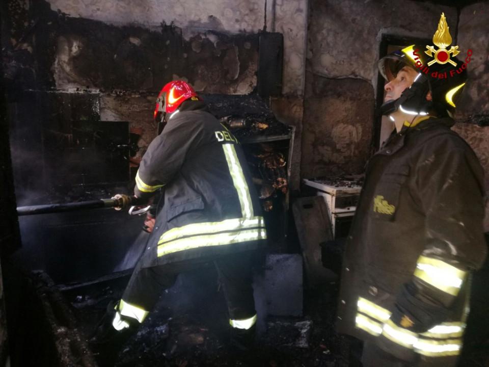 Incendio in una abitazione a Chiaravalle nel catanzarese, muore anziana