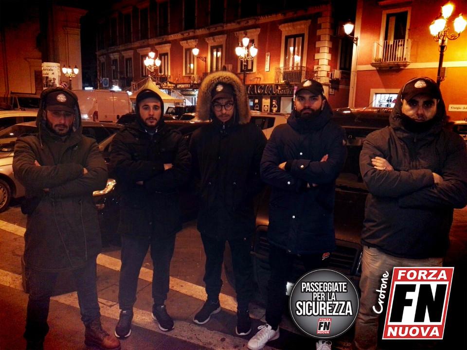 Bologna, scontri tra polizia e antifascisti: 4 feriti