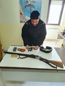 Perquisizioni dei Carabinieri e unità cinofila della Finanza a Scandale, due arresti per armi e droga (2)