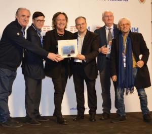 """Sanremo 2018 A Ron il """"Premio della Critica Mia Martini"""" realizzato da Affidato (2)"""